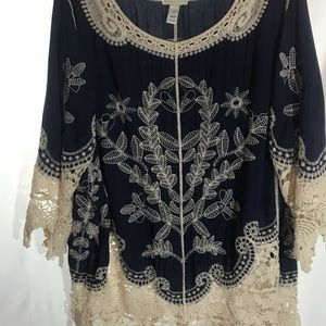 Stunning navy tunic top with crochet details SZ 22